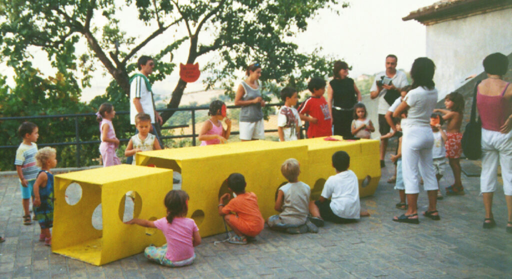 Cheese cardboard tunnel